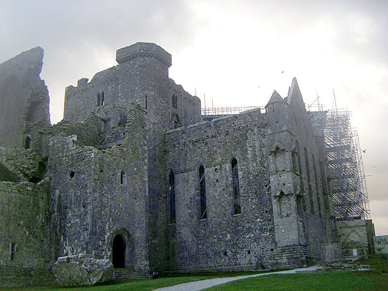 You are browsing images from the article: Rock of Cashel